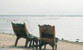 Choix, chaises et mer